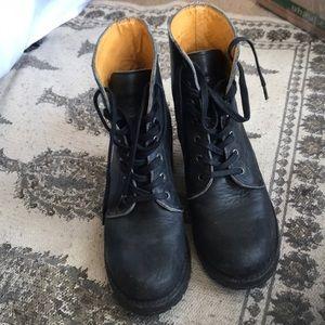 Frye sabrina lace up boot 6g